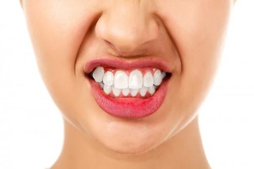 Ngủ nghiến răng là người như thế nào 10