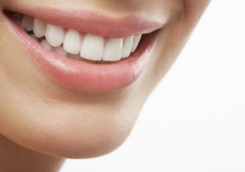 Dùng chỉ nha khoa có làm thưa răng không?【Chuyên gia tư vấn】 - 1