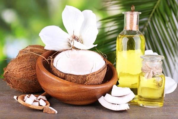 2 cách thần tốc để biến dầu oliu làm trắng răng! 2
