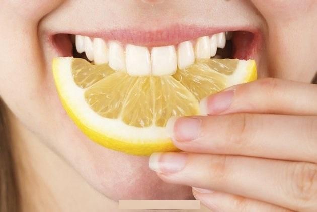 TOP 5 cách lấy cao răng tại nhà hiệu quả KHÔNG NÊN BỎ QUA 1