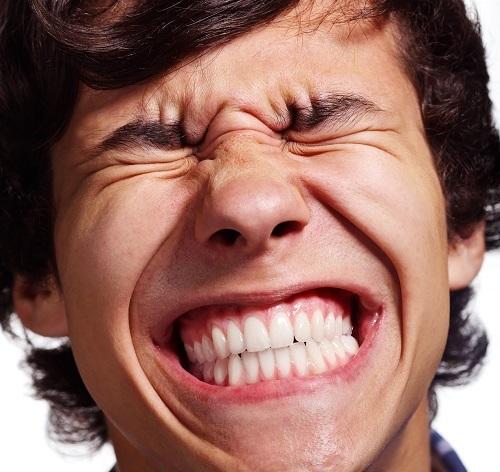 Ngủ nghiến răng là người như thế nào, liệu số sẽ vất vả? 1