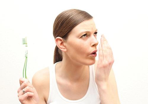 Top 6 nguyên nhân hôi miệng phổ biến bạn cần biết 1