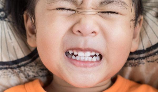 Cảnh báo: Tình trạng trẻ nghiến răng về đêm có hại như thế nào 1