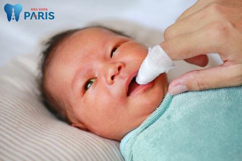 Cách chữa hôi miệng cho trẻ sơ sinh hiệu quả